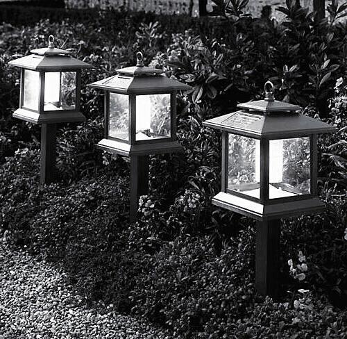 20- T10 Low Voltage Landscape Light 13 Cool led's per bulb
